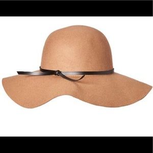 NWOT TAN BROWN FLOPPY HAT 🧡🧡